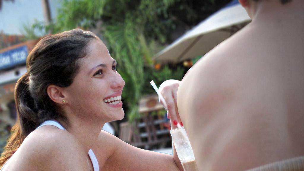 Lichaamstaal is de basis van flirten en versieren - Vrijen doe je zo!